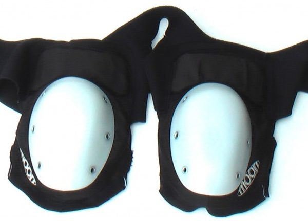 Shoulder protection with white P.E. recap of Buggy Rollin wheel suit armors