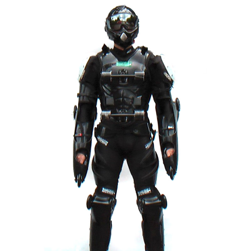 Buggy Rollin Black-Black full set suit worn with helmet by a pilot standing up facing the camera