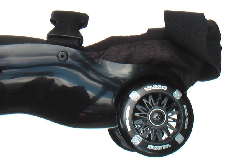 detail view of the black wheel of the knee of Black-Black Buggy Rollin full set