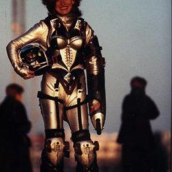 carbon suit armure Carbone kiki
