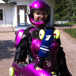 Pierviy Kanal TV Russia tries BUGGY ROLLIN
